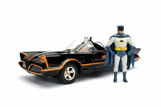 DIECAST1:24 1966 BATMOBILE W/FIGURINES