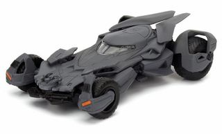 DIECAST 1:32 2016 BATMOBILE  *