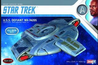 Polar Lights 1:1000 Star Trek U.S.S. Defiant