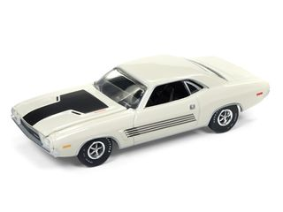 Autoworld 1:64 1972 Dodge Challenger Rallye White