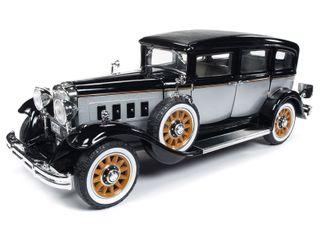 1:18 1931 Peerless Master 8 Sedan