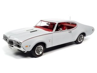 Autoworld 1:18 1968 Olds Cutlass SW31 MCACN