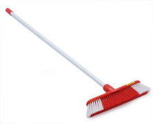 INDOOR BROOM RED