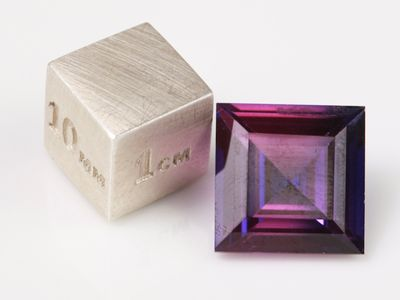Synthetic Sapphire Purple 12mm Square (S)