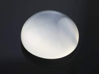 Moonstone White 18mm Round Cabochon (N)