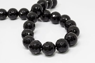 Onyx Bead Strands 18mm Faceted Round (T)