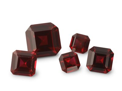 Synthetic Ruby Dark Red 6mm Sq/Emerald Radient  (S)
