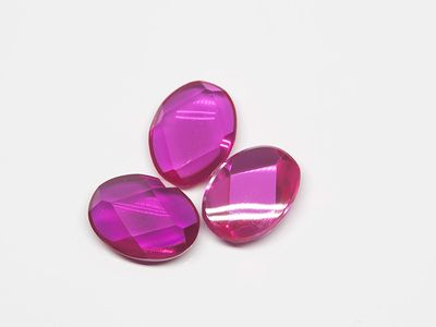 Ruby Syn Pink Red Buff-Top 8x6mm Oval (S)