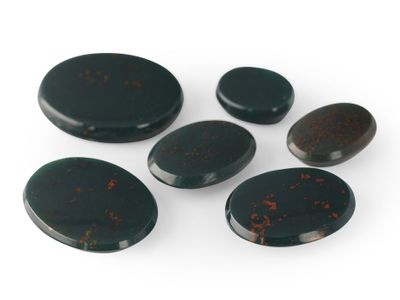 German Cut Bloodstone 14x12mm Oval BuffTop (N)