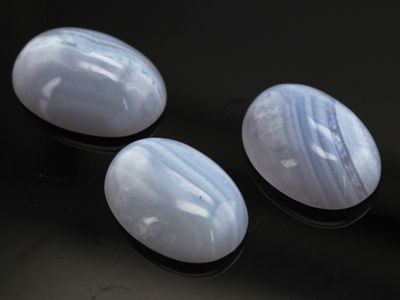 Blue Lace Agate 18x13mm Oval Cabochon (N)