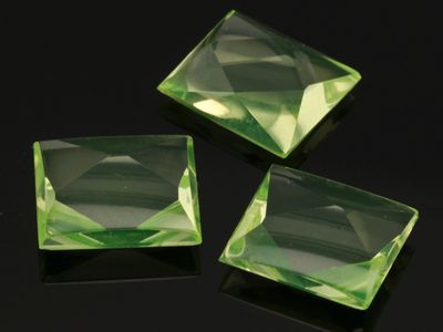 Syn Peridot Spinel 14x12mm Rect BT (S)