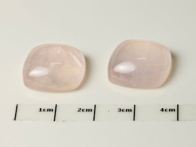 Rose Quartz 16mm Cushion Cab (N)