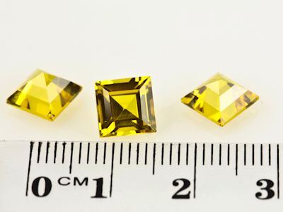 Synthetic Yellow Sapphire 7mm Square (S)