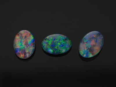 Opal Triplet 7x5mm Oval
