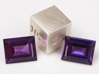 Synthetic Sapphire Purple 10x8mm Baguette (S)