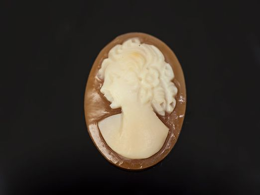 Italian Shell Cameo 18x13mm Oval (N)