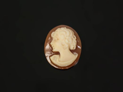Italian Shell Cameo 11x9mm Oval (N)