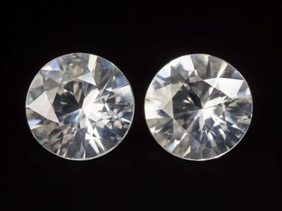 Zircon White 6.7mm Round Pair (N)