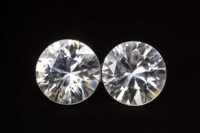 Zircon White 6.4mm Round Pair (N)