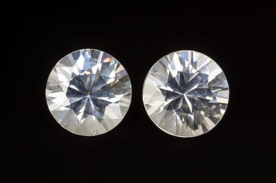 Zircon White 6.2mm Round Pair (N)