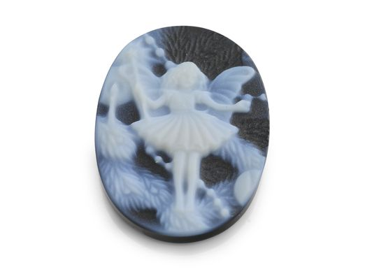 Cameo Blk/White Dancing Fairy 20x15mm Oval (T)