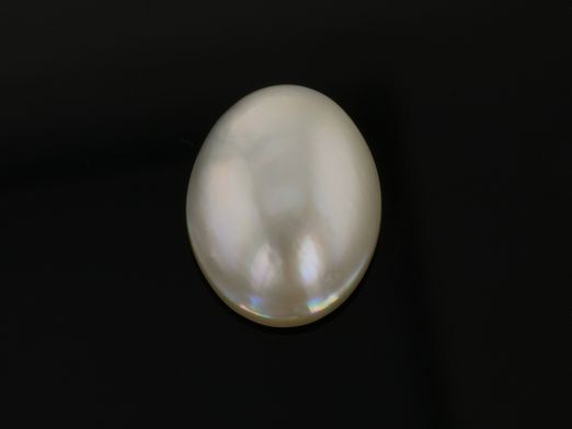 Mabe White Pearl 18x13mm Oval (C)