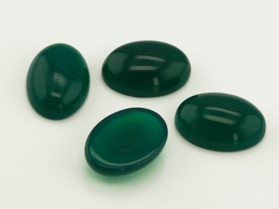Dyed Green Agate 14x10mm Oval Cabochon (T)
