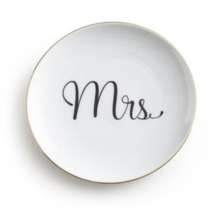 Love is in the Air, Plate, Mrs