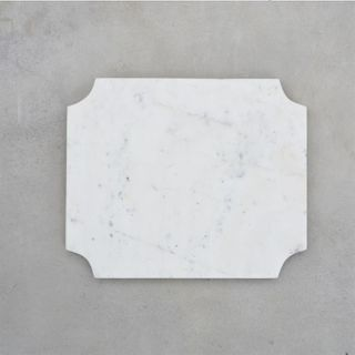 **Cheese Board, Arced Corners White Marble, 29.5cm x 24.5cm