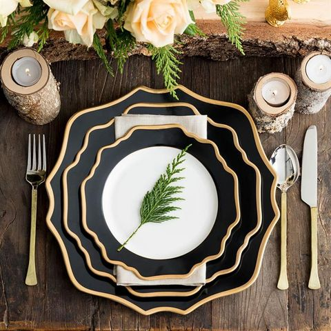 Floraison Charger Plate, Black