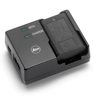 M8 / M9 COMPACT BATTERY CHARGER