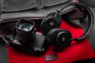 LEICA Q2 BLACK WITH M&D MW65 HEADPHONES