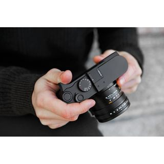 LEICA Q2 THUMB SUPPORT BLACK