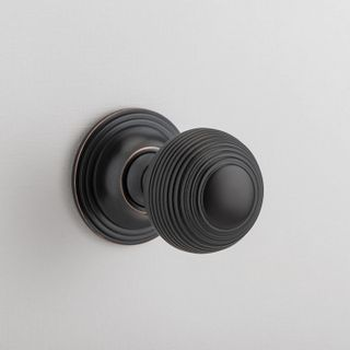 CAMBRIDGE KNOB ON ROSE AC