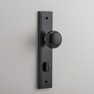 DOOR KNOB CAMBRIDGE ON PLATE PRIVACY AC