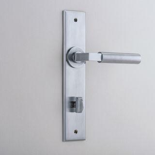 DOOR LEVER BERLIN ON PLATE PRIVACY SC
