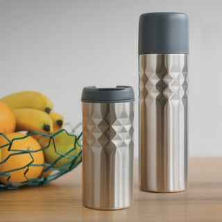 VACUUM FLASKS AND DRINKWARE