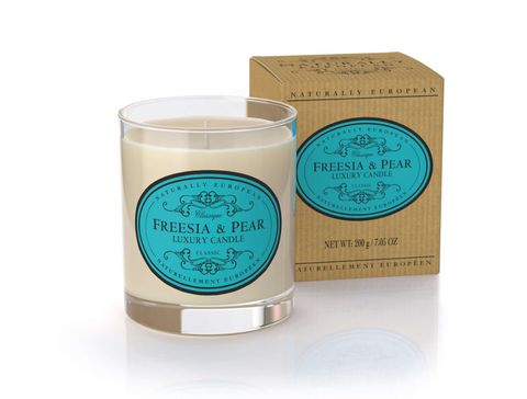 Nat Euro Candle Freesia & Pear 200g