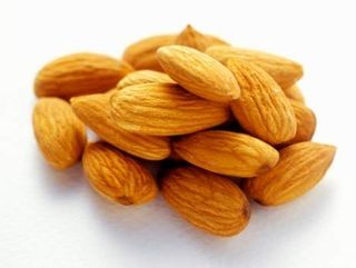 NUTS ALMONDS NATURAL WHOLE 1kg