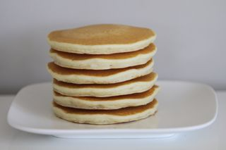 PANCAKES (HOTCAKES) 9 PIECES A 6 PACKS PER BOX