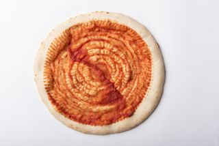 PIZZA BASE PARBAKED WITH TOMATO FROZEN (CTN16)