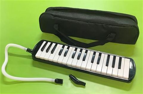 32 Note BLACK Melodica with Bag