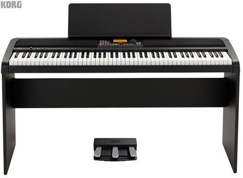 Korg XE20 88 Note Arranger Piano w Stand
