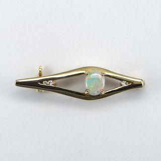 14K Yellow Gold Light Opal Brooch