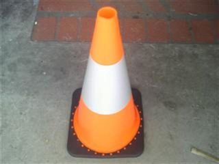 Road Cone (witches Hat) 700mm - Reflectv
