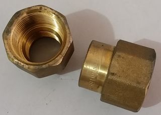 "Reducing Socket 3/4""x1/2"" - Brass"