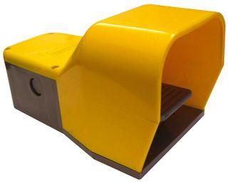 Foot Switch Plastic 240V 10A IP65 2xN/O 2x N/C Mom