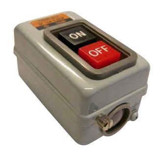 Power Sw Encl 15A 3P ON/OFF S/Mnt Metal Latching