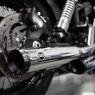 "S&S Grand National Slip-On Mufflers Chrome with Black End Cap - 3.25"" for 1995-2009 Dyna models with staggered exhaust (FXD, FXDB, etc)"