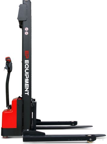 ESD101-FS3000 - SME 1.0t electric pallet stacker with 3.0m lift & fixed 1070mm straddle outriggers